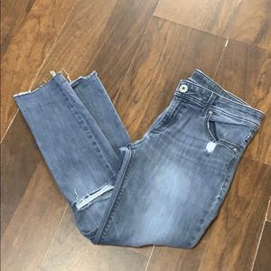 DL 1961 gray cropped jeans.  Size 30